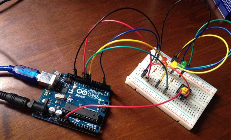 Arduino - Controlando LEDs com pushbutton