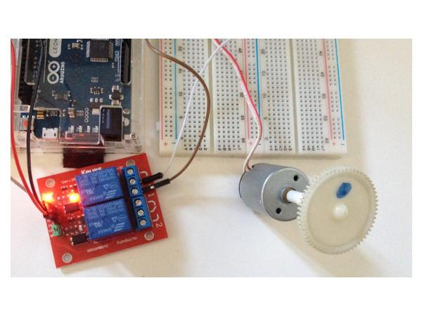 Controlando motores DC com arduino uno, transistor e relé