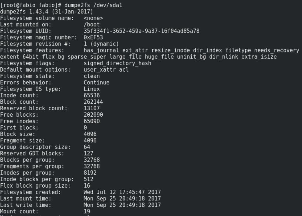Comando dumpe2fs no Linux Fedora, mostrando o superbloco