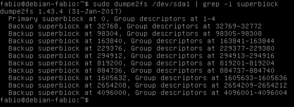 Verificando backups de superblocos com dumpe2fs no Linux